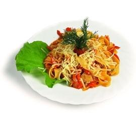 Паста с овощами в кисло-сладком соусе